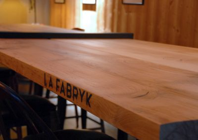 Table sur mesure de restaurant - L'Atelier Urbain 2