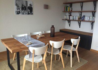 Table et bibliothèque de Fanny - 2560€